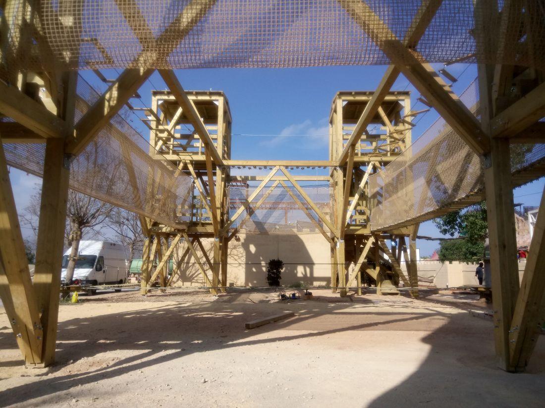 certificacion de parque de aventura con estructura de madera