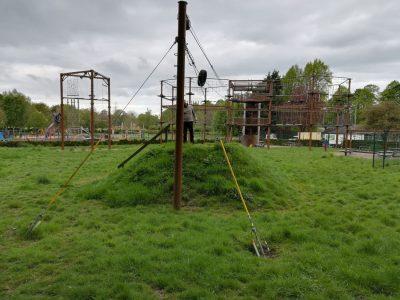 inspeccion de parque de aventura con estructura metalica