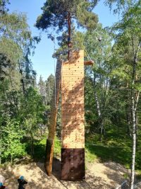 inspeccion de rocodromo con estructura de mader